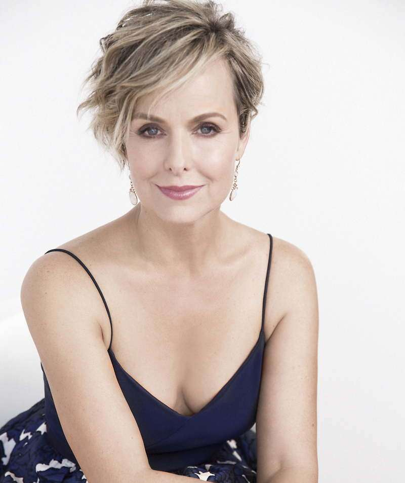 The 53-year old daughter of father (?) and mother(?) Melora Hardin in 2021 photo. Melora Hardin earned a  million dollar salary - leaving the net worth at  million in 2021