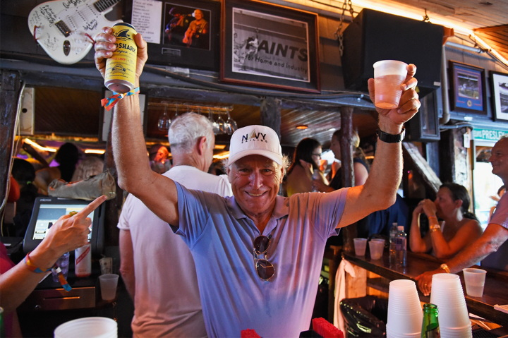 AMAGANSETT, NY - AUGUST 07: (EXCLUSIVE ACCESS) Jimmy Buffett bartends as Coldplay performs for SiriusXM in the Hamptons at The Stephen Talkhouse: Performance Airs Live on SiriusXM on August 7, 2016 in Amagansett, New York. (Photo by Kevin Mazur/Getty Images for SiriusXM)