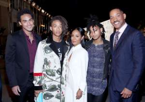 (L-R) Actors Trey Smith and Jaden Smith and Jada Pinkett Smith,  singer Willow Smith and actor Will Smith attend the Environmental Media Association 26th Annual EMA Awards