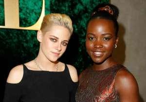 Honorees Kristen Stewart (L) and Lupita Nyong'o