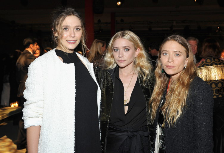 (L-R) Actresses Elizabeth Olsen, Ashley Olsen and Mary Kate Olsen