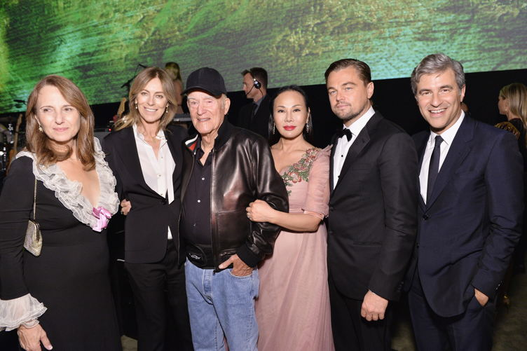 (L-R) Adele Irwin, honoree Kathryn Bigelow, honoree Robert Irwin, host Eva Chow, co-chair Leonardo DiCaprio, and CEO and Wallis Annenberg Director of LACMA Michael Govan attend the 2016 LACMA Art + Film Gala