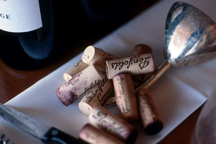 Discover_2014_Penfolds_ReCorking_Clinics