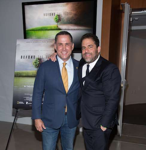 Miami Beach Mayor Philip Levine, left, and Brett Ratner, producer of 'Before the Flood', at the Miami premiere of 'Before the Flood' airing globally on the National Geographic Channel October 30. (photo credit: Alberto Tamargo/National Geographic Channel/PictureGroup )