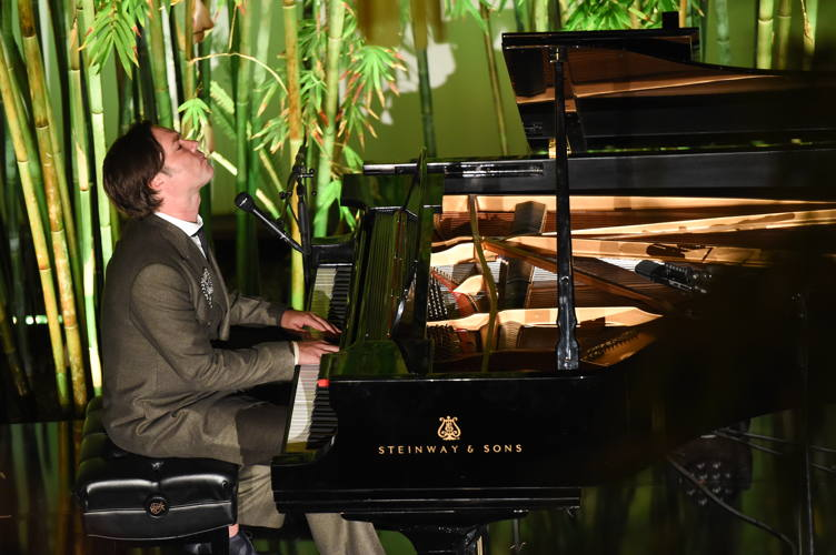 2016 Hammer Museum Gala in the Garden 10