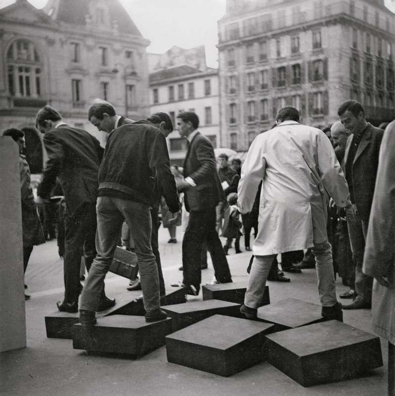"""""""Un journée dans la rue"""" (A day in the street) by Julio le Parc"""