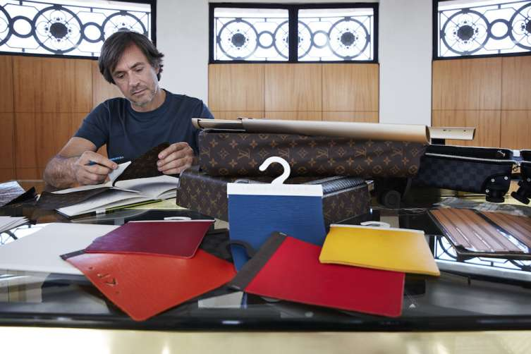 Marc Newson working on Louis Vuitton Rollers