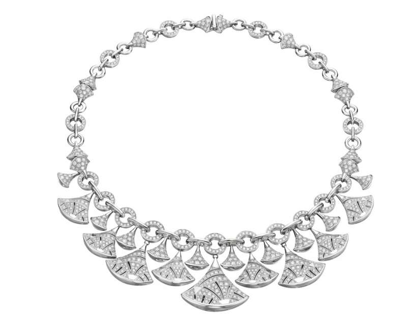 DIVA'S DREAMBulgari's Diva's Dream is a 13.1 carat necklace in white gold with round mounted setting pavé. Price upon request