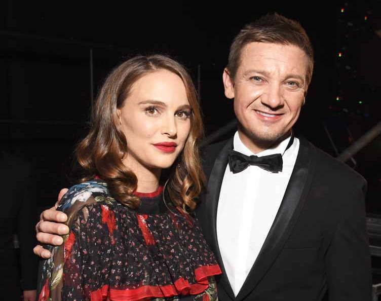 Natalie Portman (L) and Jeremy Renner