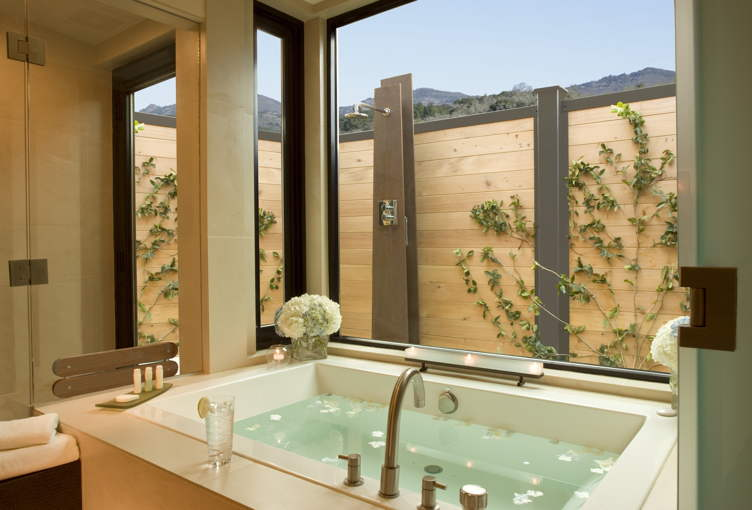 The sensational soaking tub at Bardessono