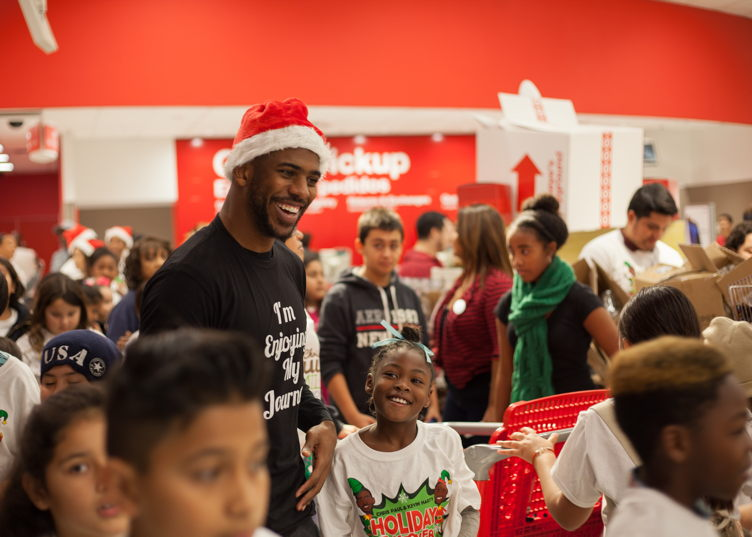 Chris Paul spreads holiday cheer at the 3rd Annual Holiday Takeover