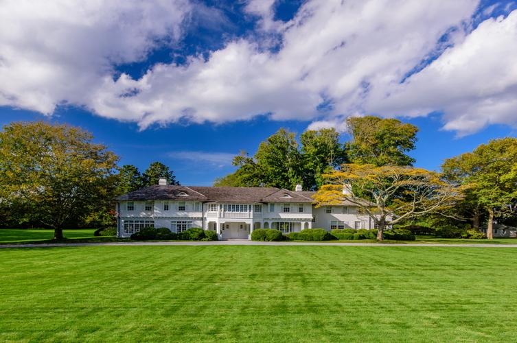 A Look Inside the East Hampton Estate Where Jacqueline