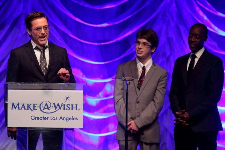 Robert Downey Jr. accepting his award