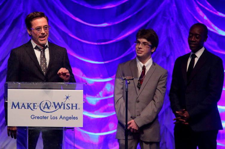 Robert Downey Jr. accepting his award