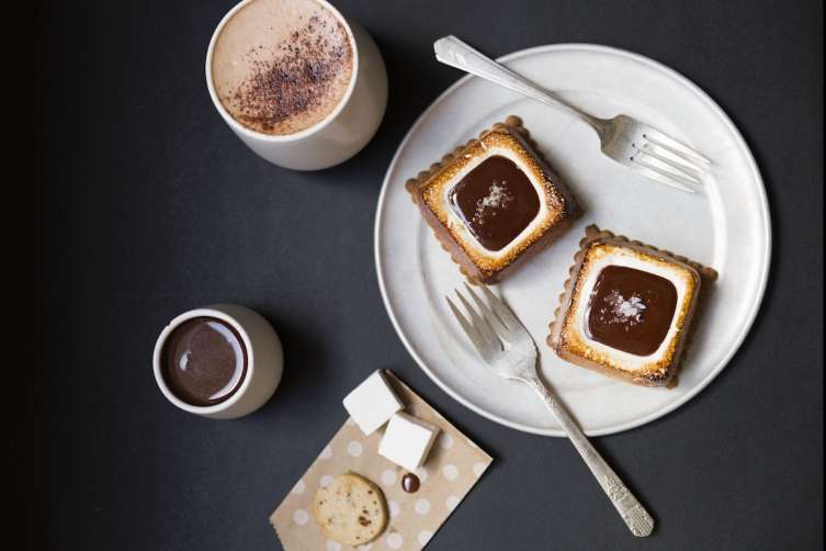 S'mores with drinking chocolate, shortbread cookie and marshmallows at Dandelion Chocolate