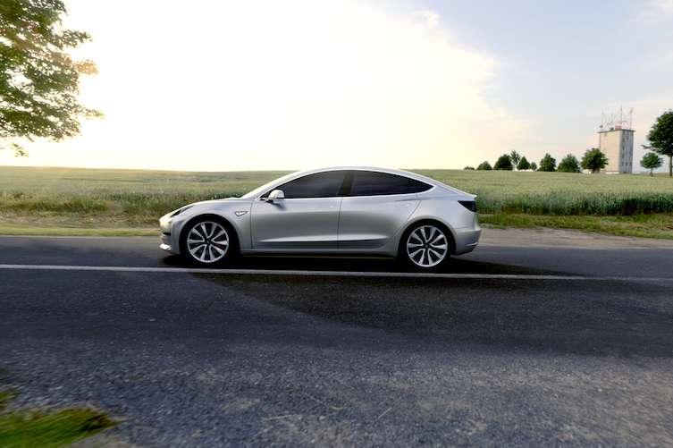 Reservation for Tesla Model 3 $1000