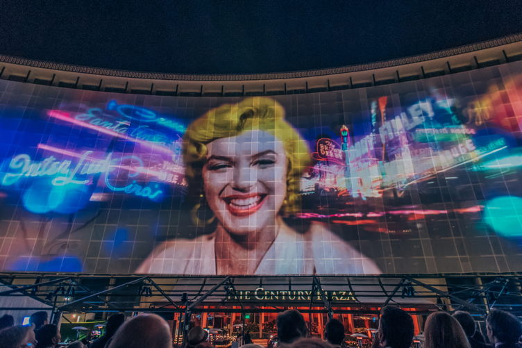 Marilyn Monroe in projection form