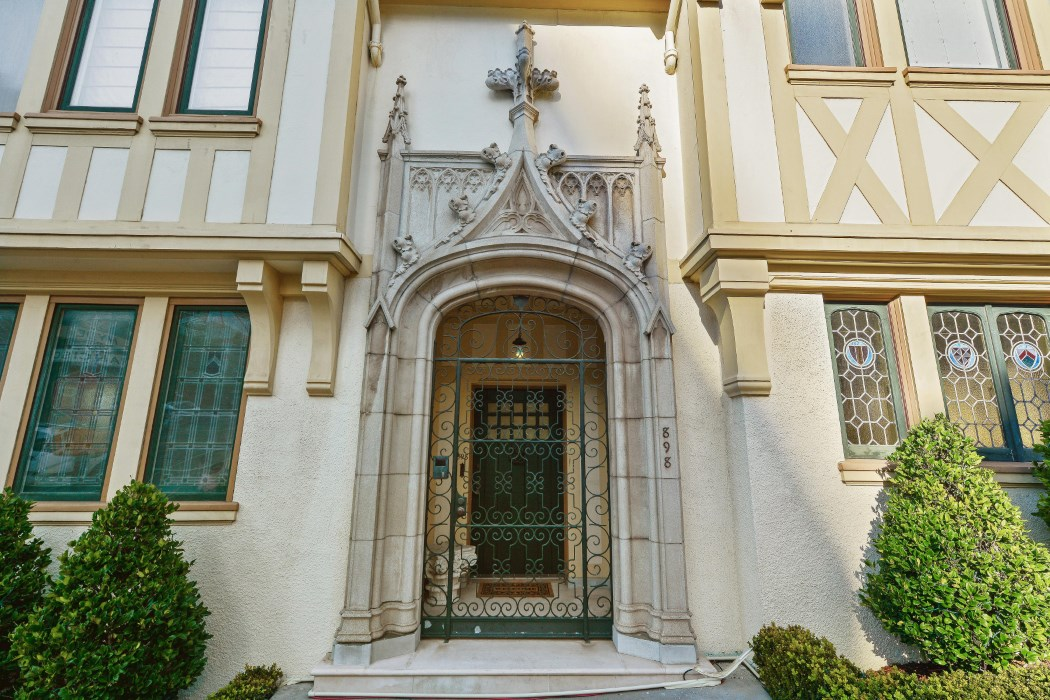 Iconic Six Bedroom Gothic Tudor Mansion Perched On The Slope Of Russian Hill Built In 1914 This Home Has Been Elegantly Maintained Over Years Keeping