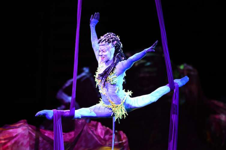 'TORUK - The First Flight' artist performs gravity-defying Tissu act during Las Vegas premiere, Jan. 18, 2017_Al Powers