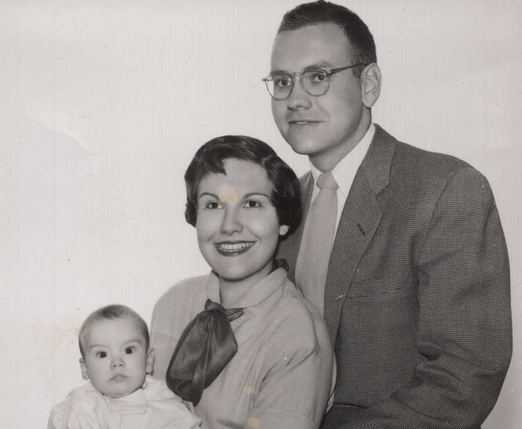 Warren, Susie and Susan Buffett (1953)