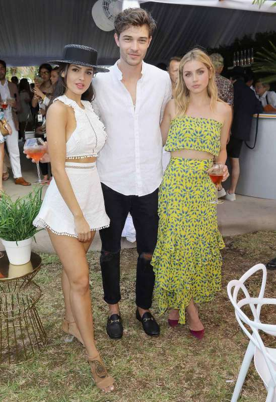 MIAMI, FL - MARCH 04: Eiza Gonzalez, Francisco Lachowski and Ana De Armas attend the Third Annual Veuve Clicquot Carnaval at Museum Park on March 4, 2017 in Miami, Florida. (Photo by John Parra/Getty Images for Veuve Clicquot)