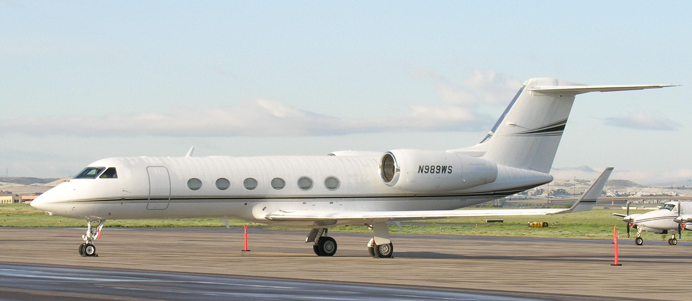 Gulfstream_IV_(N989WS)