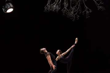 Paulo Arrais and Lia Cirio in Jiří Kylián's Wings of Wax; photo by Rosalie O'Connor, courtesy of Boston Ballet.jpg