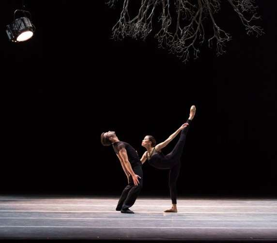 Paulo Arrais and Lia Cirio in Jiří Kylián's Wings of Wax; photo by Rosalie O'Connor, courtesy of Boston Ballet.jpg