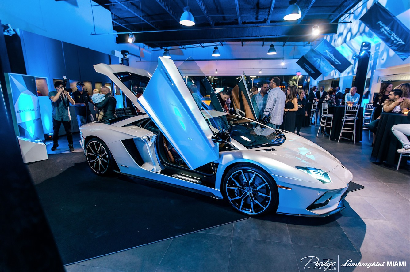 Car Dealerships In Miami >> Lamborghini Aventador S Debuts at Lamborghini Miami