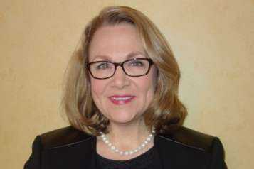 Shannon O'Brien was Massachusetts State Treasurer (1999-2003), and served in House of Representatives (1987-1993) as well as Massachusetts Senate (1993-1995).