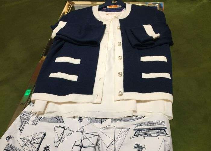 TORY BURCH OUTFIT IVORY AND NAVY COLORS