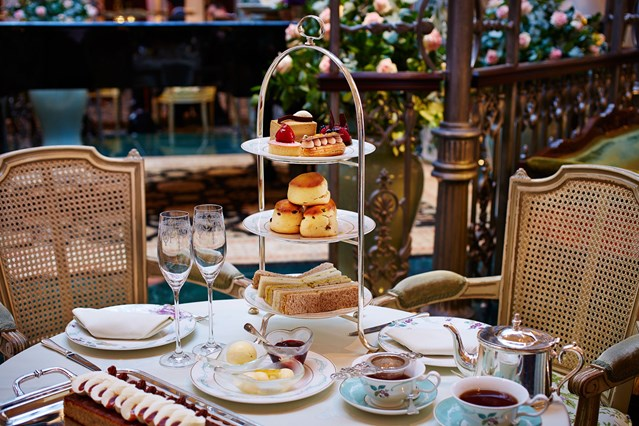 The-Savoy-Traditional-Afternoon-Tea-conde-nast-traveller-12aug16-pr_639x426-1