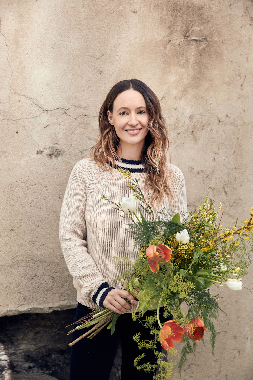 On her blog Rip & Tan, Kayne shares tips like how to arrange flowers
