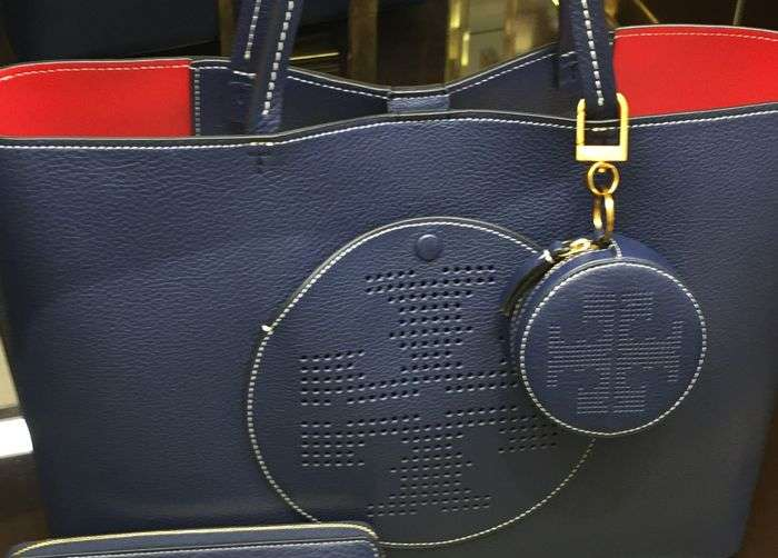 tb navy tote wallets