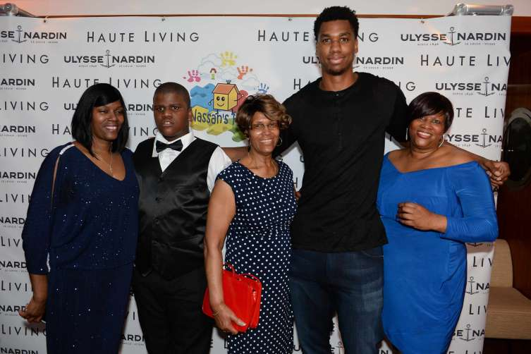 Nadine Wright- Arbubakrr, Nassan Wright-Arbubakrr, Virginia Arbubakrr, Hassan Whiteside and guest