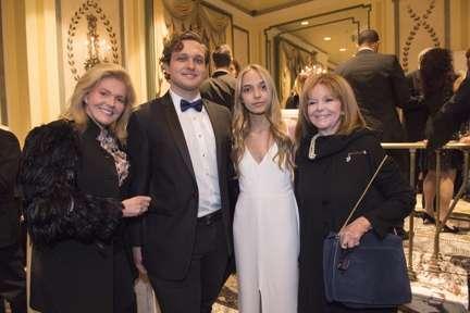 Brenda Nestor Castellano, Sean Castellano, Conner Castellano and Marianne Cassini (2)