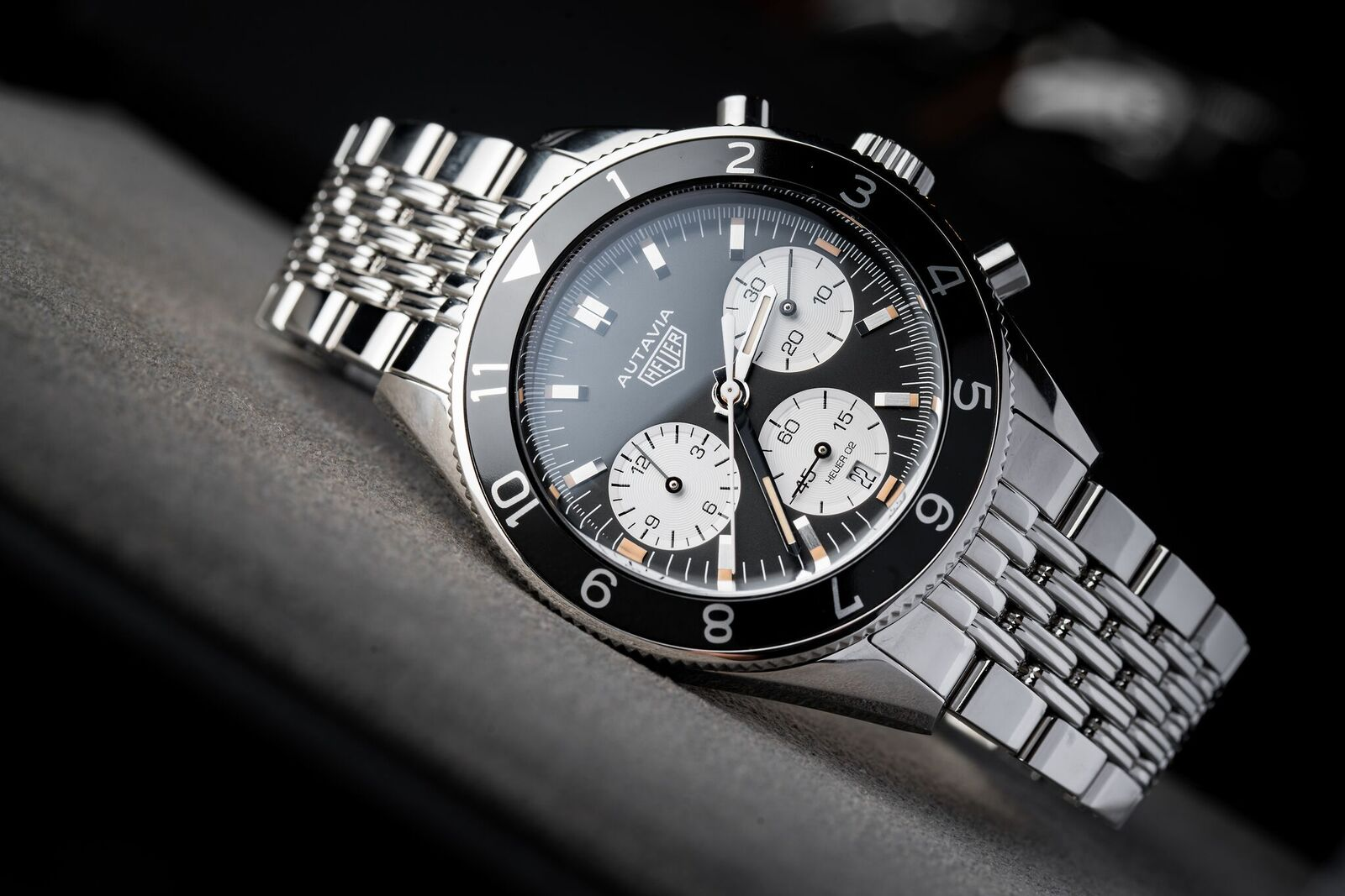 watch of the week tag heuer autavia. Black Bedroom Furniture Sets. Home Design Ideas