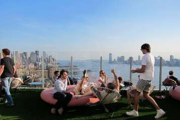 best-rooftop-bars-nyc-la-bain-highline-standard