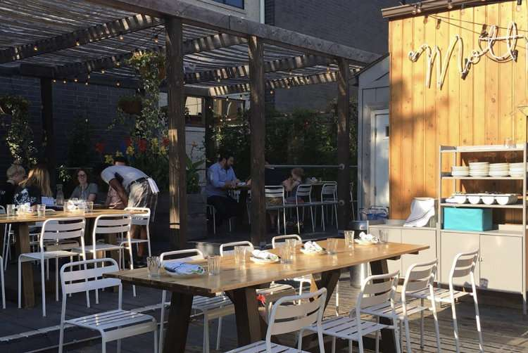 mott st chicago - wines to drink outside this summer