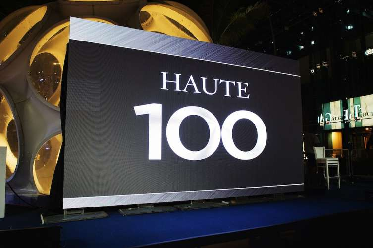 Haute 100 atmosphere