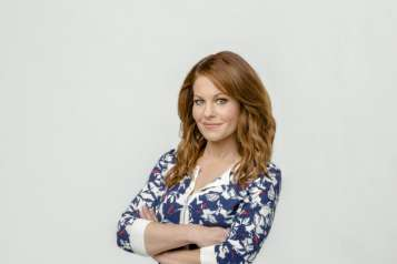 A Bundle of Trouble An Aurora Teagarden Mystery Final Photo Assets
