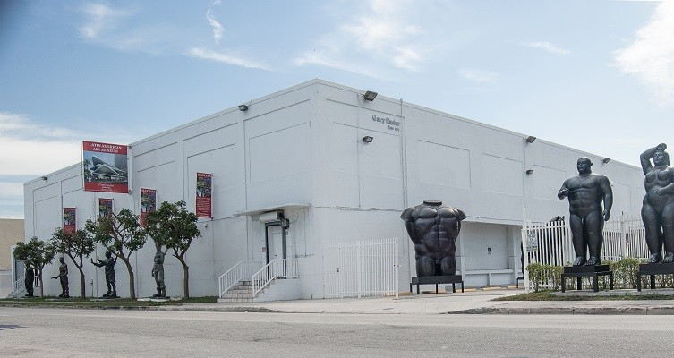 Gary Nader Art Centre Haute 5
