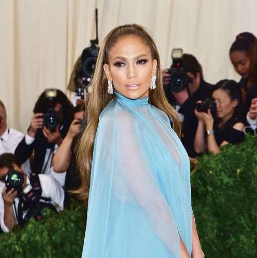 Jennifer-Lopez---GettyImages-675611140_Print_32915