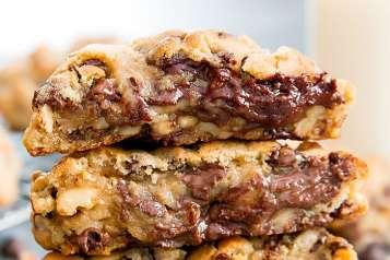 levain-bakery-copycat-chocolate-chip-cookies-6-700×809