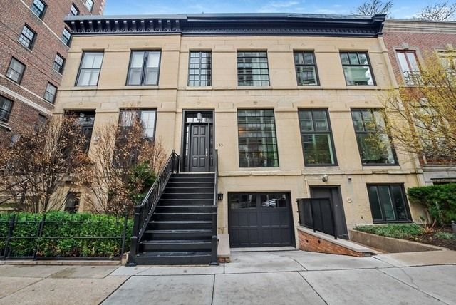 Row Home Chicago 60616 : Haute residence a historic gold coast row home for
