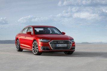 2019-Audi-A8-front-three-quarter-03