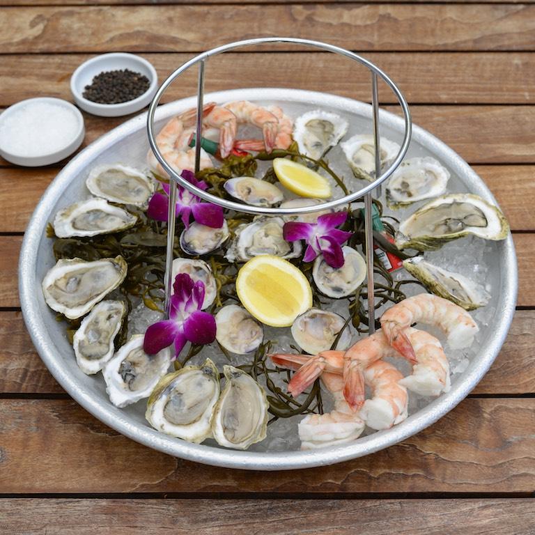 Lure Fishbar_Oysters