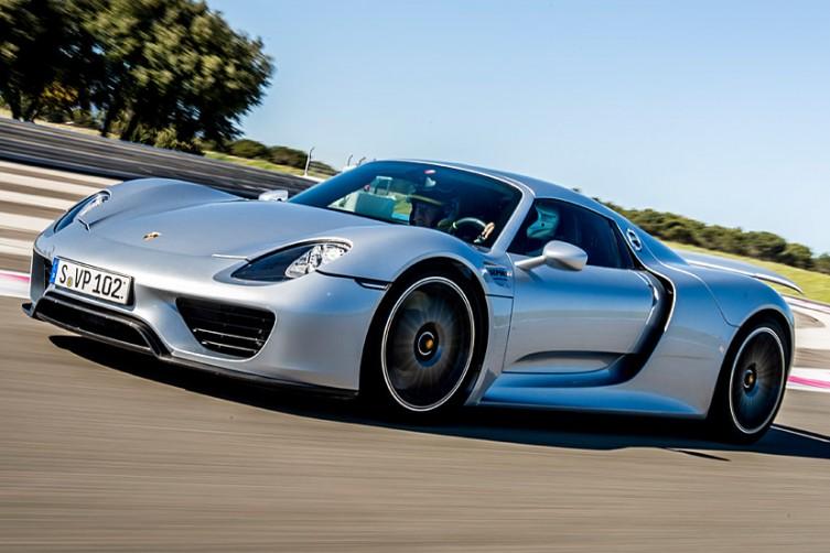 Porsche_bugatti_li_02