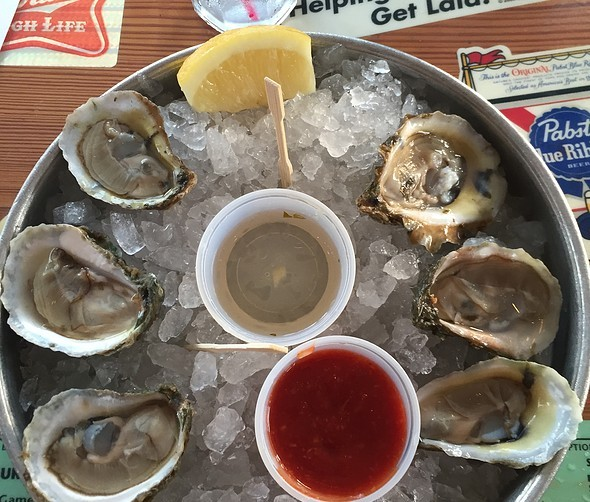 Oyster platter at Brooklyn Crab