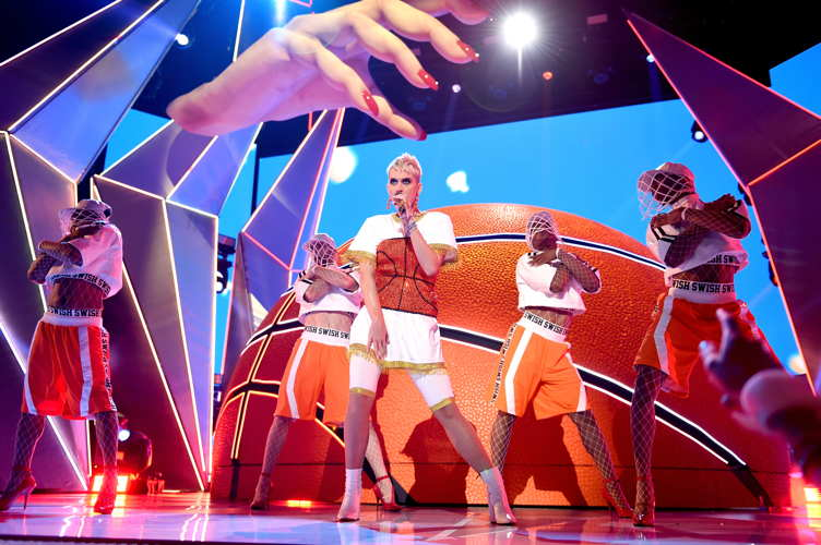 Katy Perry performs onstage during the 2017 MTV Video Music Awards at The Forum in Los Angeles on August 27